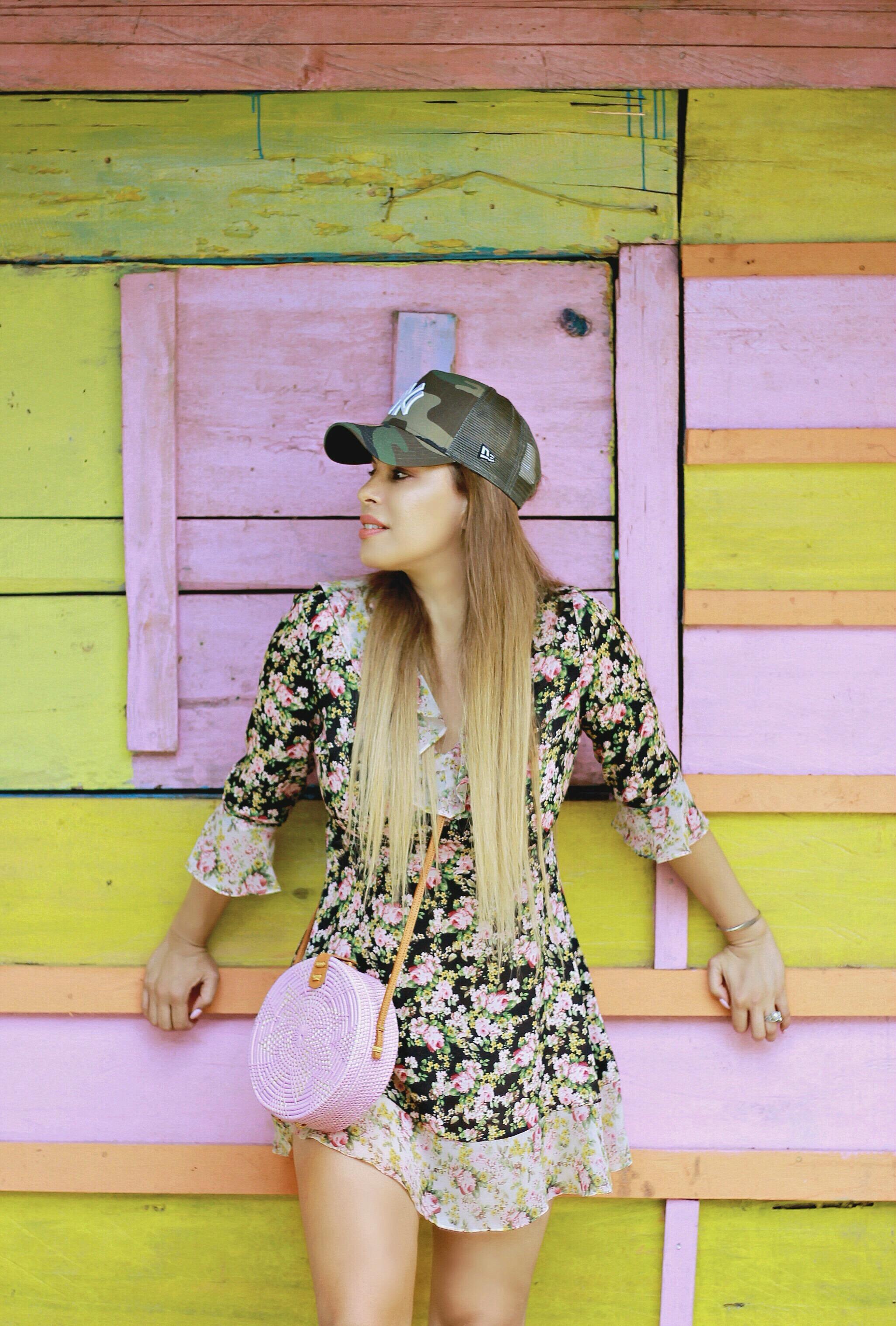 Tamara Chloé, Kei Islands, 5 tips to slay when mixing prints, Pink Bali bag