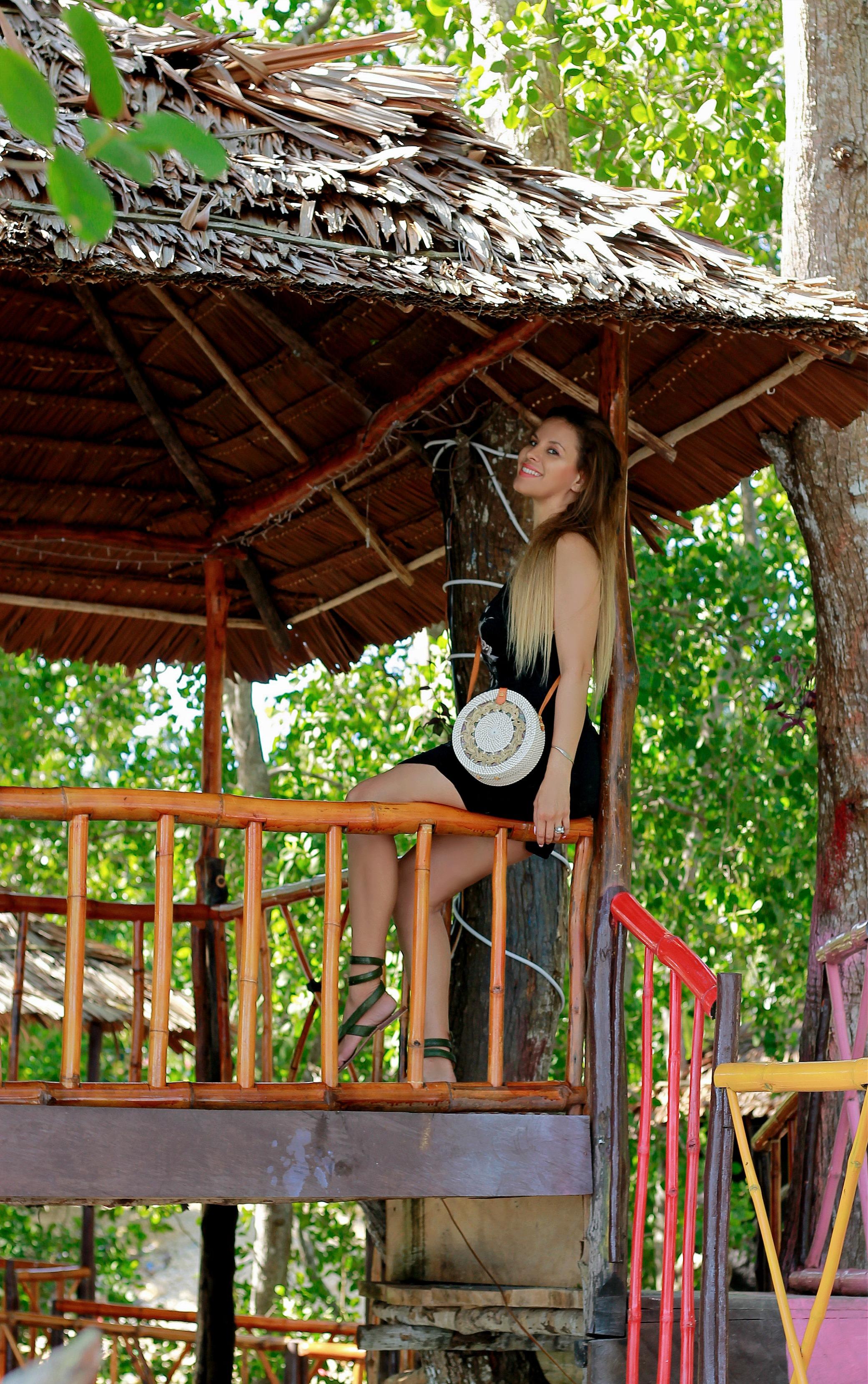 Tamara Chloé. Religion UK Dress, Kei islands, Indonesia, Maluku2